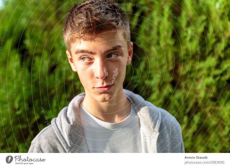 Porträt Mensch Natur Jugendliche Sommer schön Junger Mann Erholung Freude 18-30 Jahre Gesicht Erwachsene Leben Lifestyle Frühling Stil Glück
