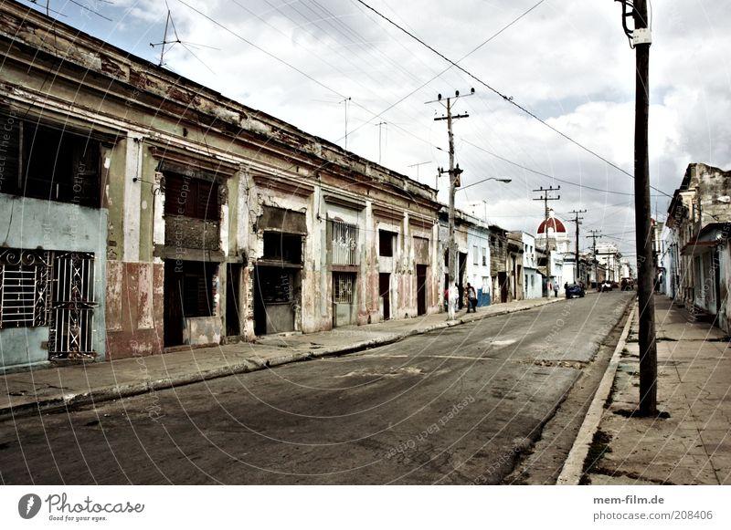 trinidad street Kuba Havanna Trinidad leer ausdruckslos Menschenleer Einsamkeit trist mehrfarbig ausgestorben Straße El Malecón Karibisches Meer Kommunismus