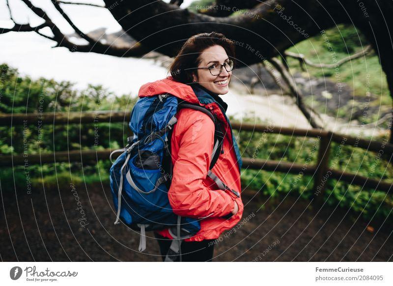 Roadtrip West Coast USA (05) Mensch Frau Natur Jugendliche blau Junge Frau Baum Meer rot 18-30 Jahre Reisefotografie Erwachsene Lifestyle Küste feminin Glück