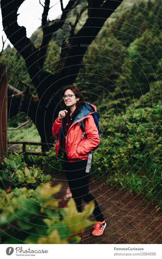 Roadtrip West Coast USA (06) Mensch Frau Natur Ferien & Urlaub & Reisen Jugendliche Junge Frau Baum rot Wald 18-30 Jahre Reisefotografie Erwachsene Lifestyle