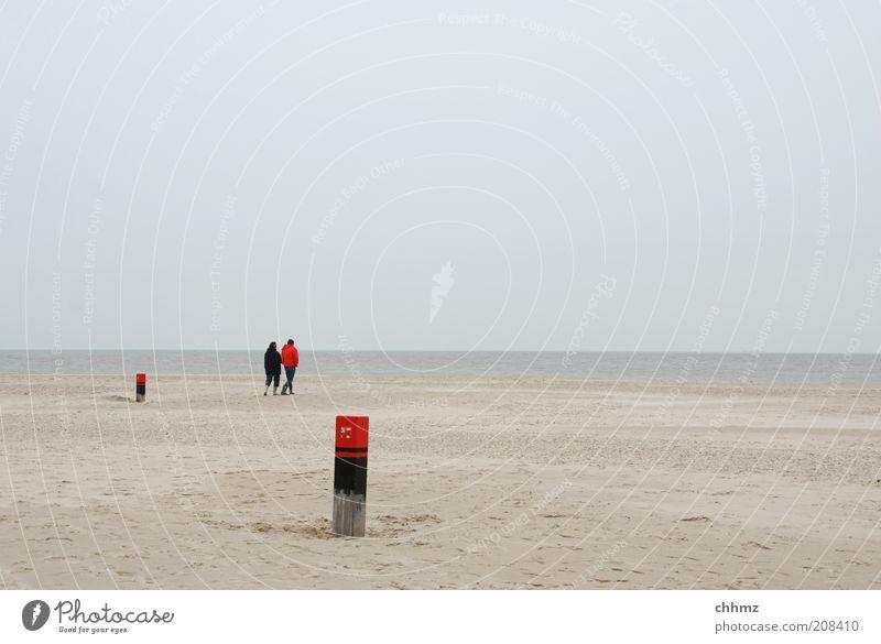 Weite Spaziergang Ferne Freiheit Strand Meer Insel Mensch 2 Landschaft Wasser Himmel Horizont Küste Bucht Nordsee Sand gehen Zusammensein Einsamkeit Frieden