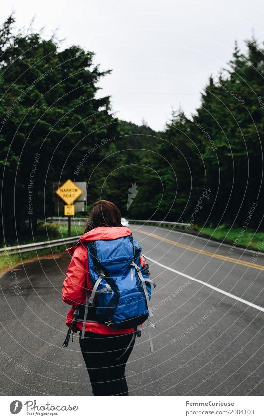 Roadtrip West Coast USA (70) feminin Junge Frau Jugendliche Erwachsene 1 Mensch 18-30 Jahre 30-45 Jahre Abenteuer wandern Luft Außenaufnahme Westküste Rucksack