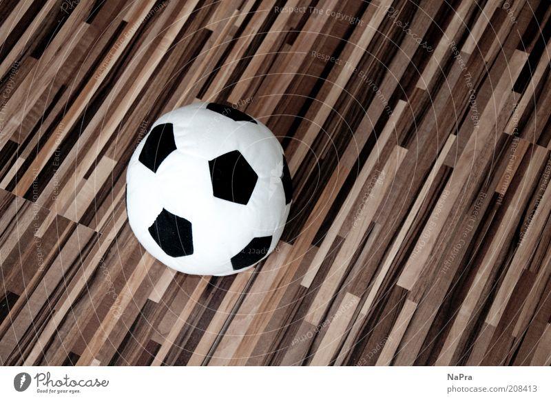 Schieeeeß... Stil Ball Spielzeug Kitsch Krimskrams Holz Farbfoto Innenaufnahme Textfreiraum rechts Vogelperspektive Menschenleer Streifen Laminat mehrfarbig 1