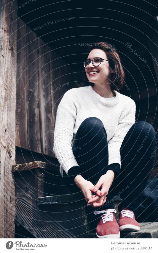 Roadtrip West Coast USA (37) Lifestyle feminin Junge Frau Jugendliche Erwachsene 1 Mensch 18-30 Jahre 30-45 Jahre Erholung Glück ruhig sitzen Pullover lässig