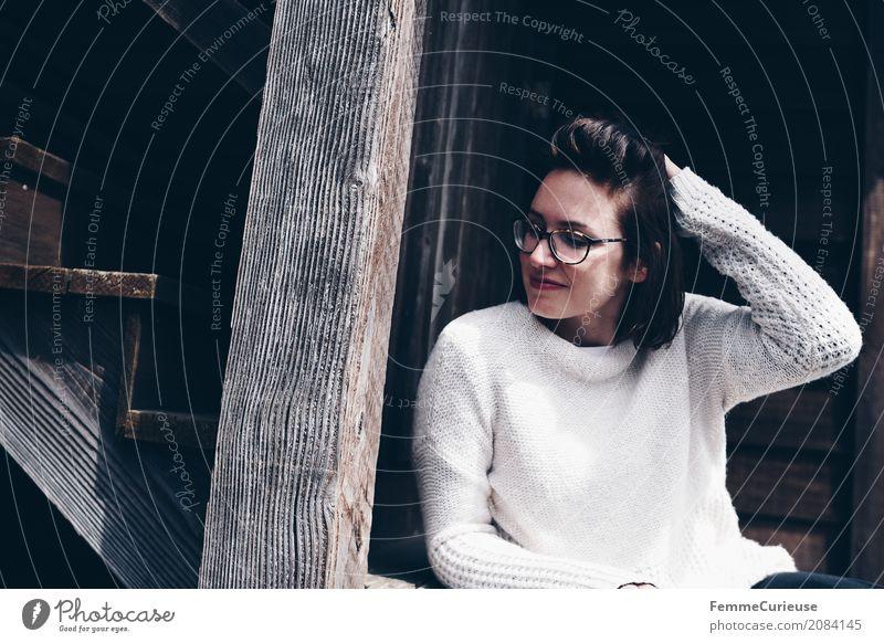Roadtrip West Coast USA (41) feminin Junge Frau Jugendliche Erwachsene Mensch 18-30 Jahre 30-45 Jahre Zufriedenheit Pullover beige Brille brünett Heimat Idylle