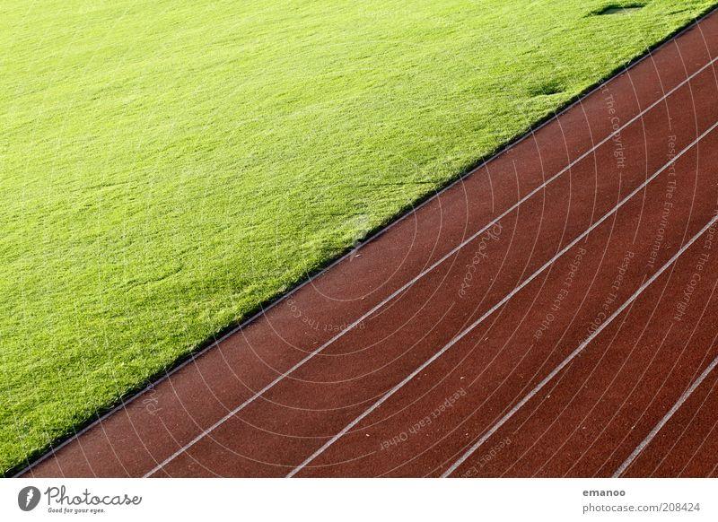 diagonal lauf grün rot Sommer Sport Gras Linie Freizeit & Hobby ästhetisch Rasen Sportrasen Sport-Training Rennbahn Gegenteil gerade Stadion