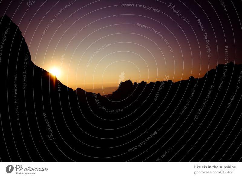 ...wow...! Natur Sonne Sommer ruhig Erholung Berge u. Gebirge Landschaft Zufriedenheit Kraft Umwelt Horizont Felsen ästhetisch violett Schweiz Klettern