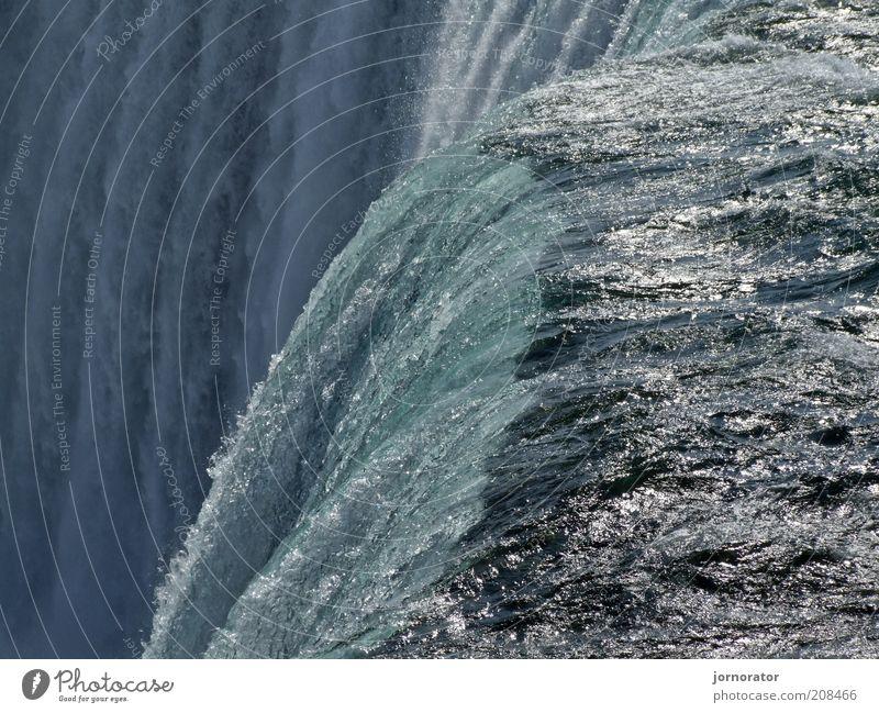 Die Welle am Abgrund Natur Wasser Fluss Wasserfall Niagara Fälle rein Ferien & Urlaub & Reisen Schlucht Farbverlauf energiegeladen beeindruckend gewaltig