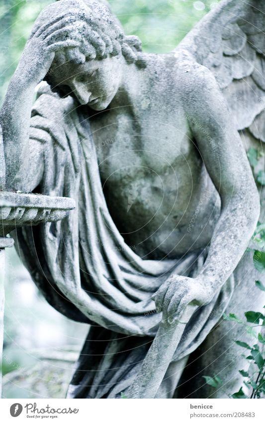 trauerfall Statue Trauer Traurigkeit Hoffnungslosigkeit Tod Symbole & Metaphern Stein Engel Frustration Religion & Glaube Katholizismus Wien alt ruhig Grab