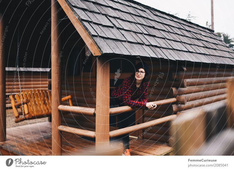Roadtrip West Coast USA (45) feminin Junge Frau Jugendliche Erwachsene 1 Mensch 18-30 Jahre 30-45 Jahre Abenteuer Campingplatz Holzhütte Hütte Westküste
