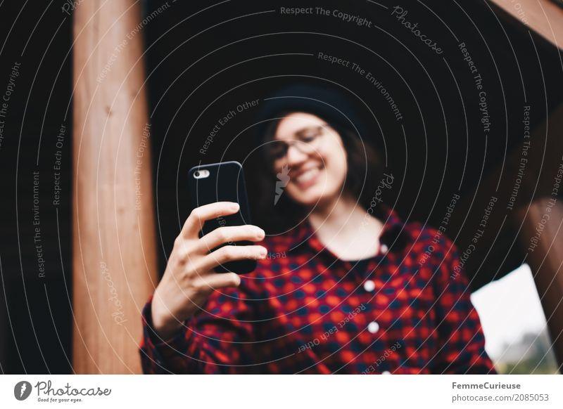 Roadtrip West Coast USA (44) feminin Junge Frau Jugendliche Erwachsene 1 Mensch 18-30 Jahre 30-45 Jahre Freude Kommunizieren Selfie Handy-Kamera Fotografieren