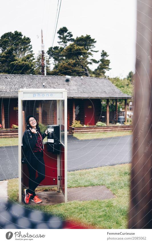 Roadtrip West Coast USA (79) Mensch Frau Ferien & Urlaub & Reisen Jugendliche Junge Frau 18-30 Jahre Reisefotografie Erwachsene feminin Kommunizieren Rasen