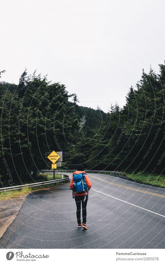 Roadtrip West Coast USA (74) Mensch Frau Natur Jugendliche Junge Frau Baum Wald 18-30 Jahre Erwachsene feminin Freiheit wandern Aktion Abenteuer Pause