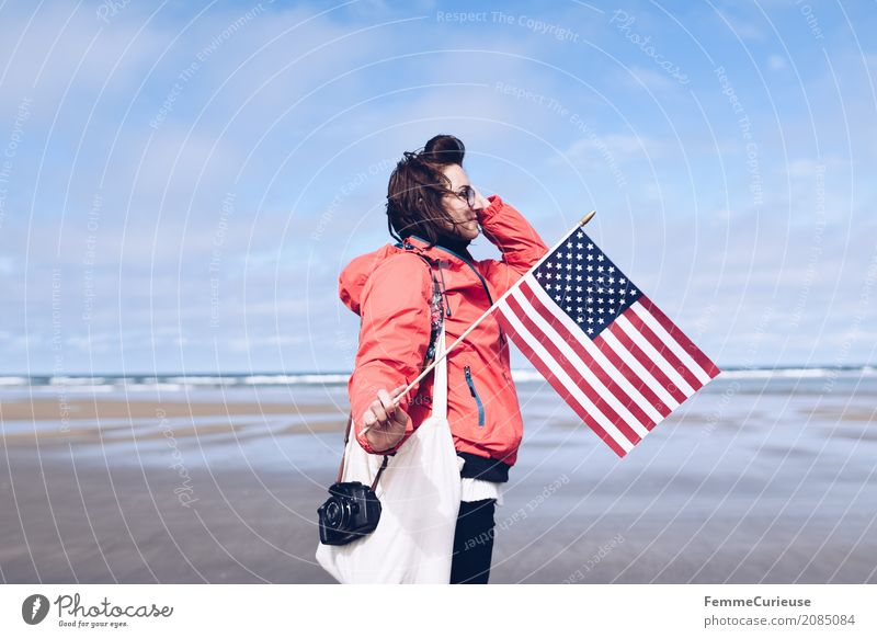 Roadtrip West Coast USA (22) Mensch Frau Himmel Ferien & Urlaub & Reisen Jugendliche Junge Frau rot Strand 18-30 Jahre Reisefotografie Erwachsene feminin