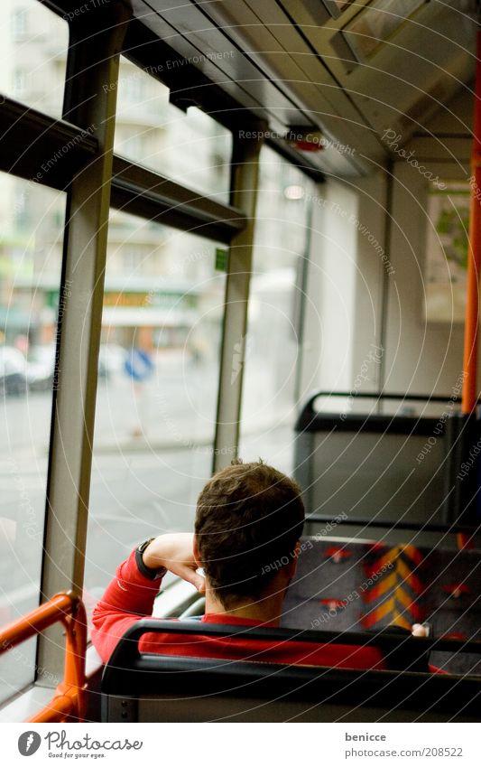 einsame fahr Mensch Mann Stadt Ferien & Urlaub & Reisen Einsamkeit Fenster Traurigkeit Denken Linie Verkehr sitzen fahren offen Reisefotografie beobachten nachdenklich