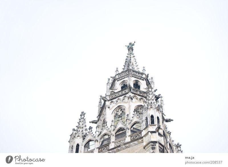 München Rathaus Himmel alt Ferien & Urlaub & Reisen Wolken Architektur Deutschland Ausflug Tourismus Turm Spitze München Wahrzeichen Skulptur Sehenswürdigkeit Sightseeing