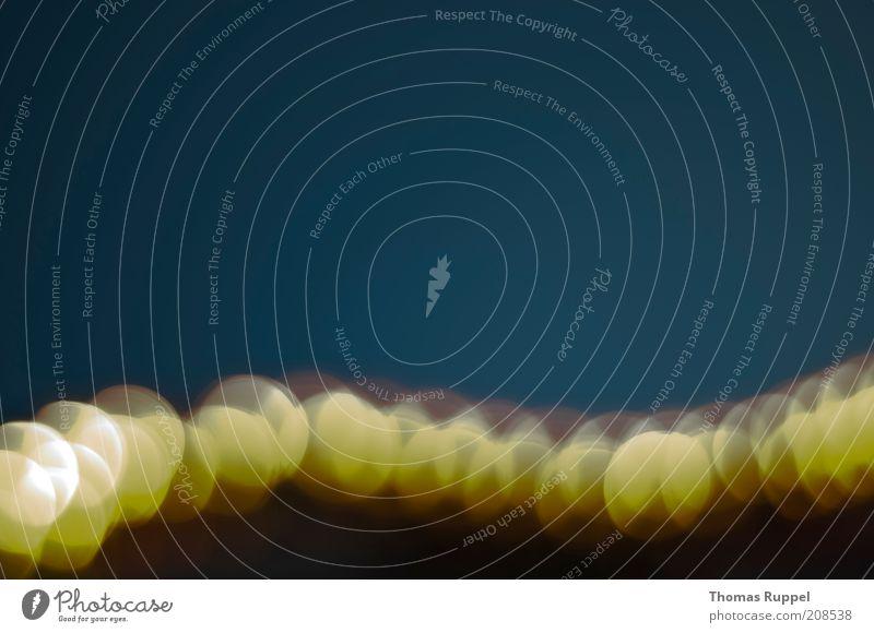 gelb Freude Lampe dunkel Glück hell Hintergrundbild Energie Kreis Fröhlichkeit leuchten Strahlung hängen Glühbirne strahlend