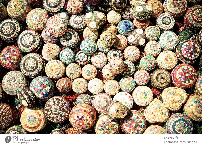 Schmuckdosen schön Kunst klein rund Kitsch Dekoration & Verzierung Kultur Schmuck niedlich mehrfarbig viele Perle Dose Schalen & Schüsseln Türkei Anhäufung