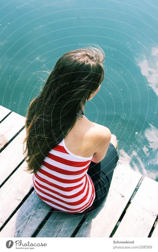 Freizeitstress Frau Mensch Jugendliche schön Ferien & Urlaub & Reisen Sommer ruhig Erwachsene Erholung feminin Leben Holz Haare & Frisuren träumen See