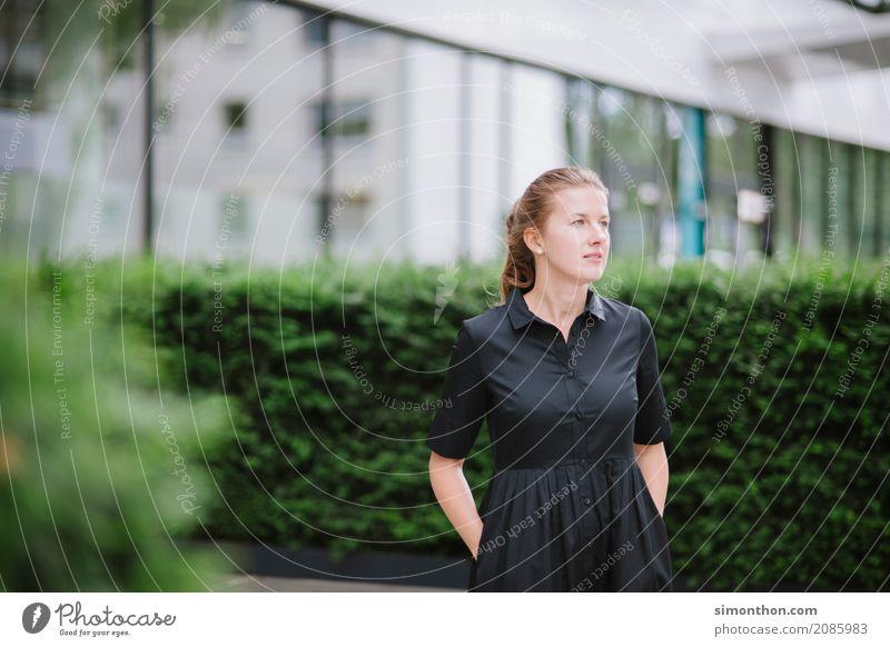 Business Mensch schön Erholung Einsamkeit Lifestyle Senior feminin Stil Freiheit Freizeit & Hobby Zufriedenheit elegant ästhetisch Erfolg genießen