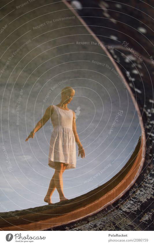 #A# Dresdner Mädchen Frau schön Wasser weiß Spielen Kunst ästhetisch Idylle Perspektive laufen Brunnen Kleid Gemälde Konzentration Gleichgewicht