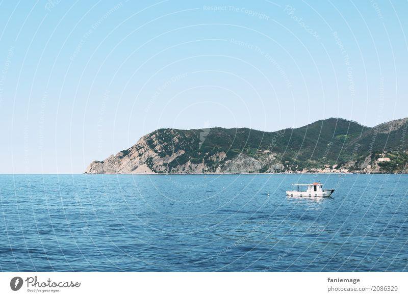 Cinque Terre XIX Natur Ferien & Urlaub & Reisen Landschaft Meer Erholung ruhig Berge u. Gebirge Reisefotografie Küste Tourismus Stimmung Felsen Wasserfahrzeug