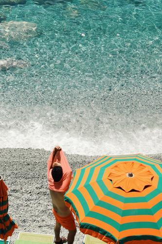 Cinque Terre XXII Lifestyle Freizeit & Hobby Mensch maskulin Körper 1 Schwimmen & Baden entkleiden Sonnenschirm Italien Italienisch Ferien & Urlaub & Reisen