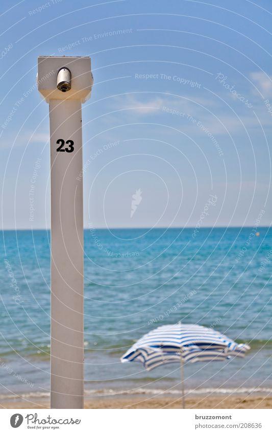 23 Ferien & Urlaub & Reisen Tourismus Ferne Sommer Sommerurlaub Sonnenbad Strand Meer Himmel Schönes Wetter blau Erholung Freizeit & Hobby Dusche (Installation)