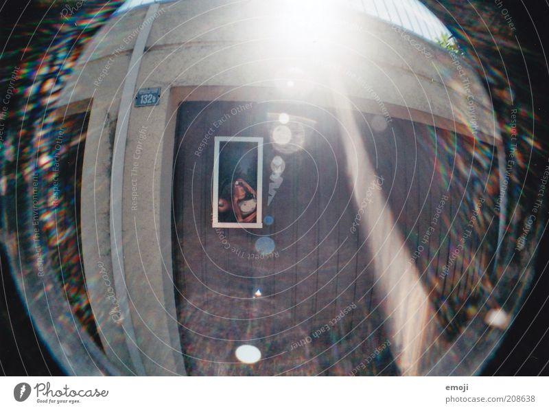 Flut Garage Blendenfleck Blendeneffekt Fischauge analog Farbfoto Außenaufnahme Lomografie Morgen Tag Reflexion & Spiegelung Sonnenlicht Sonnenstrahlen