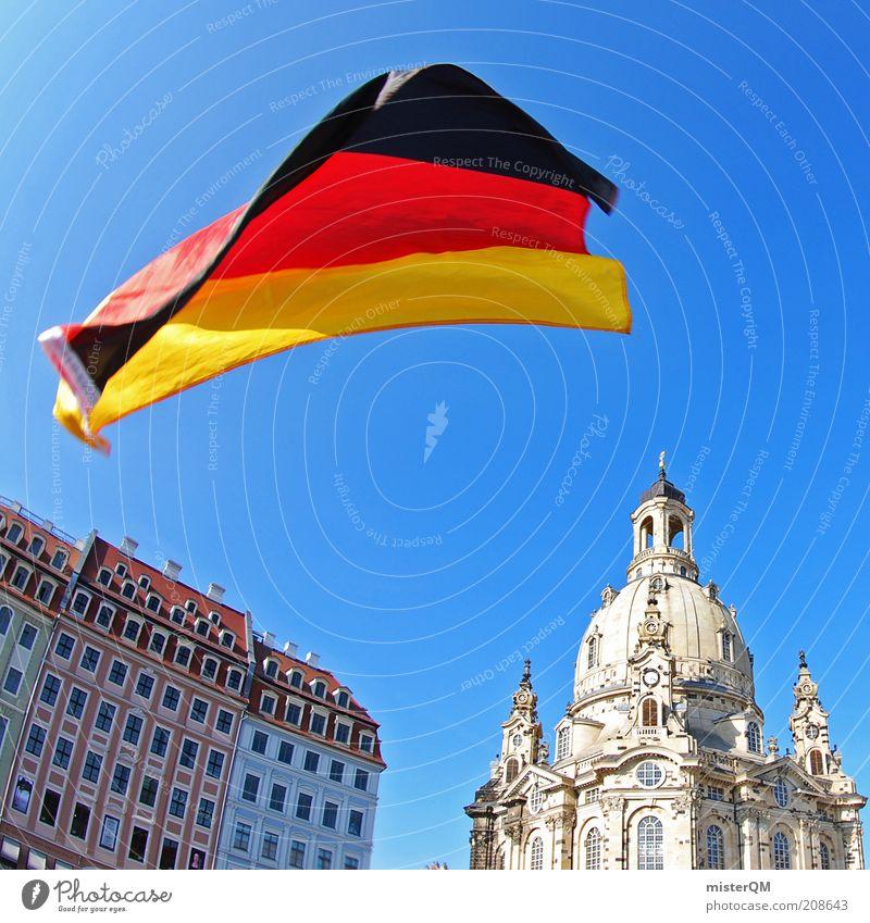 Dresden rastet aus. rot Sommer schwarz Gefühle Fußball Feste & Feiern Kunst Architektur gold ästhetisch Fahne Kultur Veranstaltung Sachsen