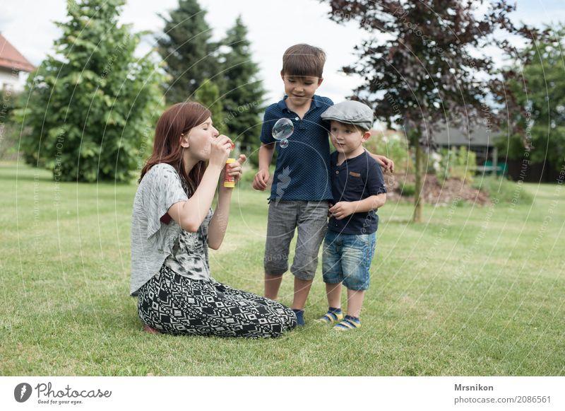 together Mensch maskulin feminin Kind Kleinkind Mädchen Junge Geschwister Bruder Schwester Familie & Verwandtschaft Kindheit Jugendliche Leben 3 Kindergruppe