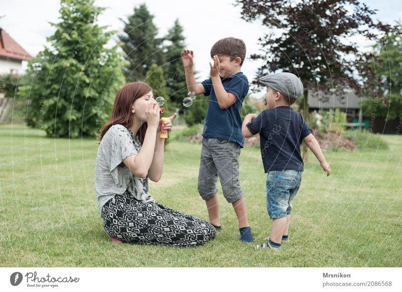 together maskulin feminin Kind Kleinkind Mädchen Junge Geschwister Bruder Schwester Familie & Verwandtschaft Kindheit Jugendliche Leben 3 Mensch Kindergruppe