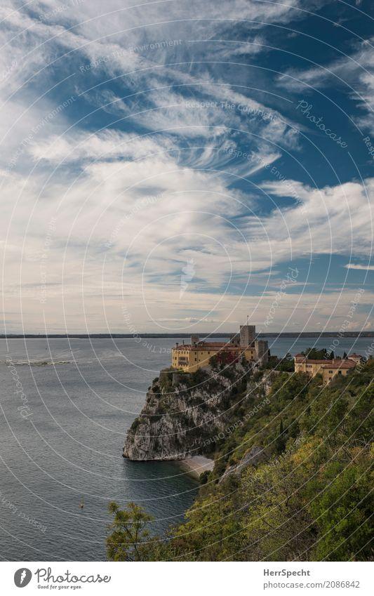 Rainer Maria fa un giro Ferien & Urlaub & Reisen Tourismus Ausflug Sightseeing Sommer Meer Küste Bucht Adria Duino Triest Friaul Italien Skyline Palast