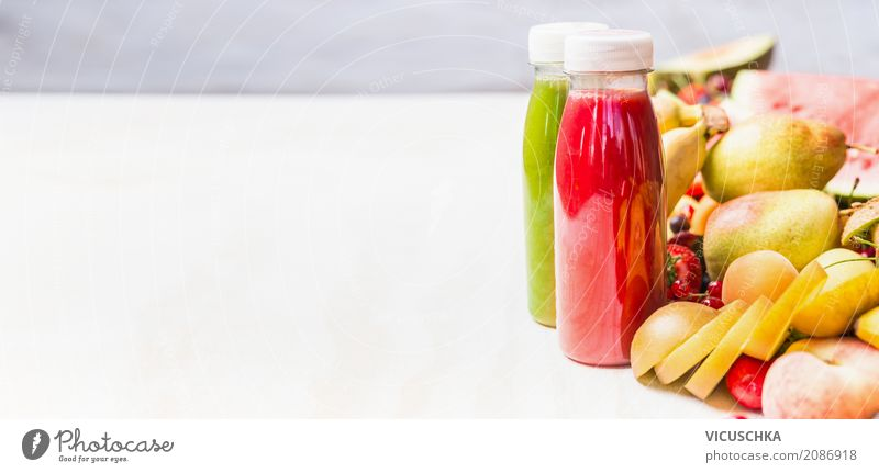 Smoothies mit Früchten Lebensmittel Frucht Ernährung Bioprodukte Vegetarische Ernährung Diät Getränk Erfrischungsgetränk Limonade Saft Flasche kaufen Stil