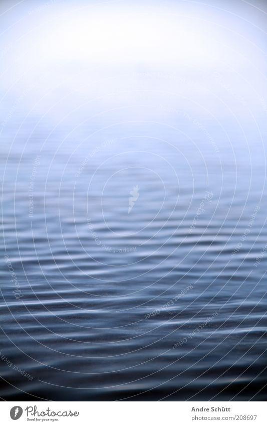 smooth water Wasser weiß Meer blau Strand ruhig Leben See Wellen Küste Umwelt nass Fluss Schwimmen & Baden Bucht Sonnenbad
