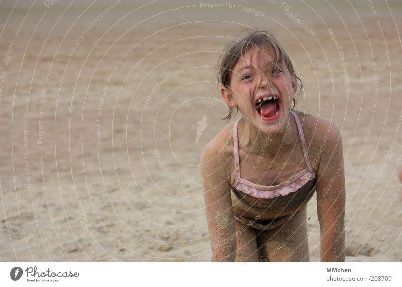 Paniert Kind Mädchen Ferien & Urlaub & Reisen Sommer Freude Strand Umwelt Spielen Haare & Frisuren Glück Sand Küste lachen Wetter Kindheit blond