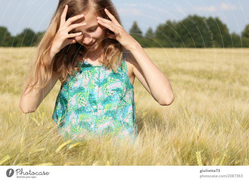 Summertime Mensch Kind Ferien & Urlaub & Reisen Jugendliche Sommer schön Sonne Mädchen Leben feminin Glück Freiheit träumen Zufriedenheit Feld blond