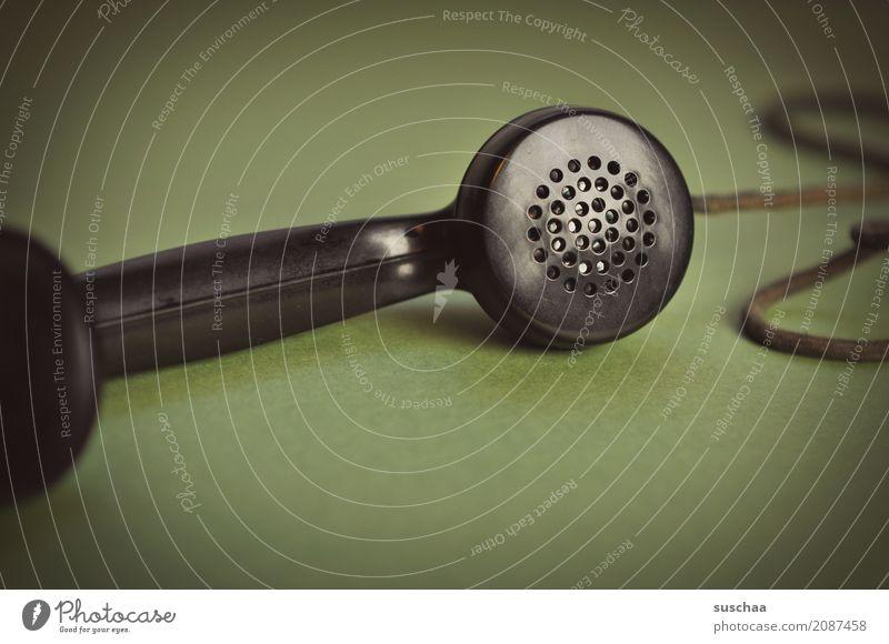 mal wieder anrufen ... schwarz sprechen Business Büro retro Telekommunikation Telefon Kabel Kontakt hören Verbindung altehrwürdig Nostalgie Telefongespräch