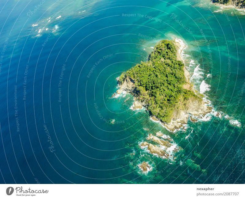 Rock island in ocean exotisch Freude Ferien & Urlaub & Reisen Tourismus Ferne Freiheit Insel Natur Wasser Küste Meer fliegen träumen außergewöhnlich blau grün