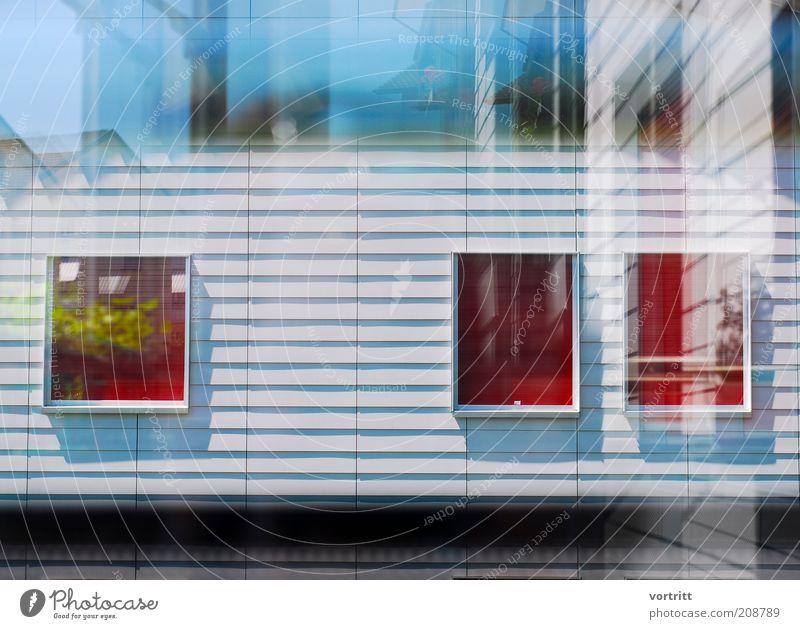 halluzination Häusliches Leben Wohnung Haus Bauwerk Gebäude Architektur Mauer Wand Fassade blau grau rot ästhetisch komplex Surrealismus Fenster Jalousie