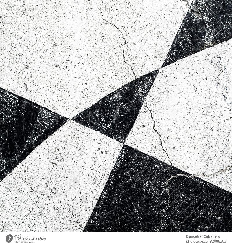 ...schwarz...weiß...weiß...schwarz... Straße Stein Linie Streifen kaputt modern alt Riss Muster Dreieck Hintergrundbild neutral Schachbrett Geometrie
