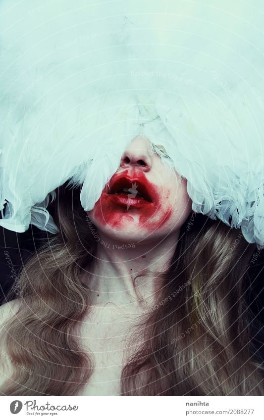 Vampir Porträt für Halloween-Nacht Mensch Jugendliche Junge Frau weiß rot 18-30 Jahre schwarz Erwachsene feminin Kunst Stimmung Angst blond verrückt einzigartig