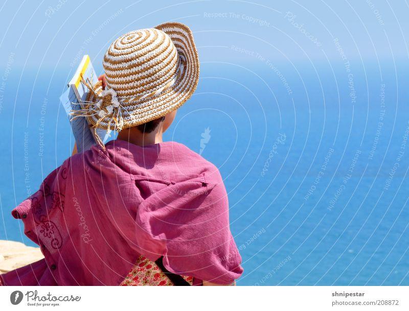 Fernweh Mensch Jugendliche schön Sonne Meer Sommer Ferien & Urlaub & Reisen Ferne feminin Gefühle Zufriedenheit Wellen Mode Erwachsene elegant Felsen
