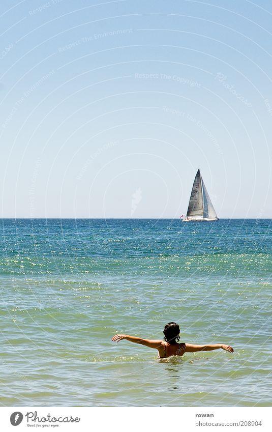 Urlaub! Jugendliche Ferien & Urlaub & Reisen Sommer Meer Freude Ferne Erholung Küste Horizont Wellen Zufriedenheit Freizeit & Hobby Schwimmen & Baden Ausflug Tourismus Junge Frau