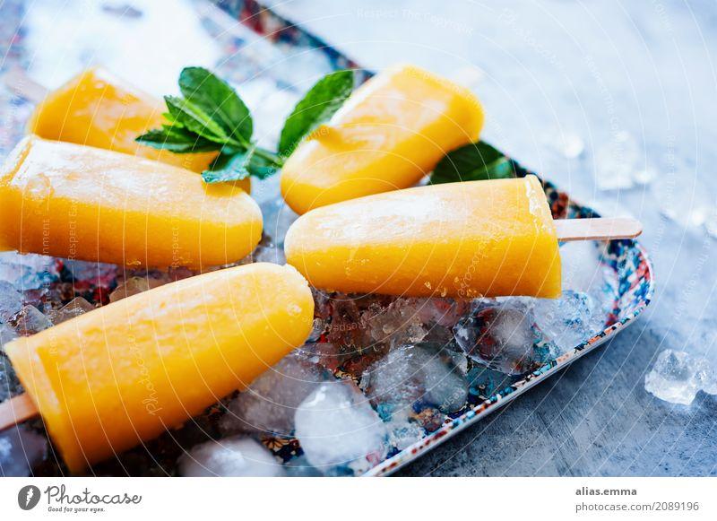 Popsicles: Mango-Banane-Kokosmilch Speiseeis eis am Stiel kokosmilch fruchtig Frucht Sommer heiß kalt Gesunde Ernährung Essen Foodfotografie Erfrischung lecker