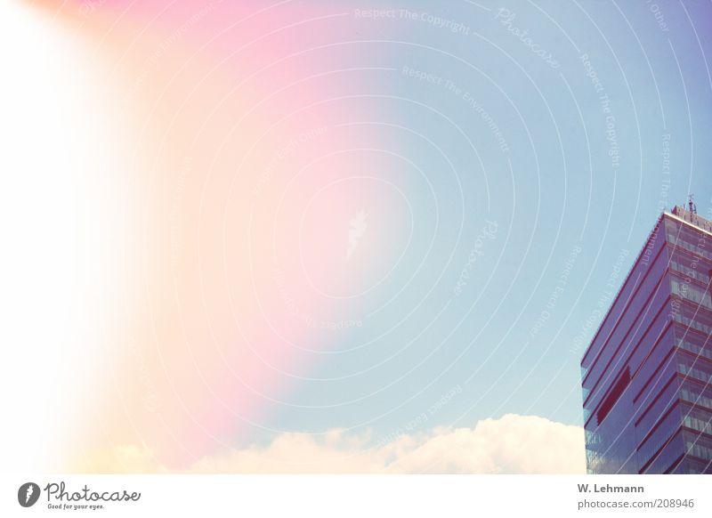 Sunburn Himmel blau grün rot Sonne Wolken Haus gelb Architektur Gebäude gold glänzend hoch modern Hochhaus Bauwerk