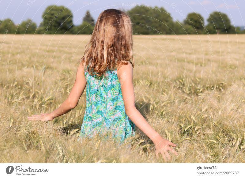 Summertime || feminin Kind Mädchen Junge Frau Jugendliche Kindheit Leben 1 Mensch 8-13 Jahre 13-18 Jahre Sonnenlicht Sommer Schönes Wetter Feld Getreidefeld