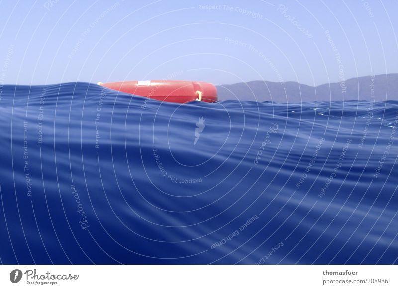 was vom Schwimmer übrig blieb ... Wasser Meer blau rot Sommer Ferien & Urlaub & Reisen Wärme Luft frei Sicherheit Symbole & Metaphern Ostsee Schönes Wetter