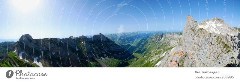 alpin Natur Himmel Sonne grün blau Sommer Ferne Gras Berge u. Gebirge Freiheit grau Landschaft braun Horizont Felsen Aussicht