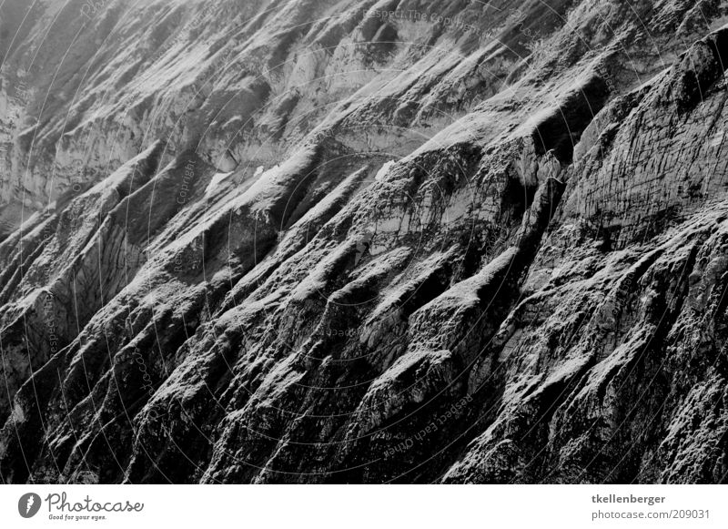 Urgestein schwarz Berge u. Gebirge grau Felsen Erde Schweiz Alpen Urelemente unheimlich Strukturen & Formen Berghang Schattenspiel Experiment Alpstein Felsenschlucht Kanton Appenzell